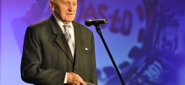 Pan Henryk Zych – jeden z założycieli SMJiRJ nagrodzony