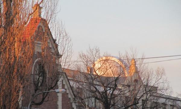 kosciołek i planetarium